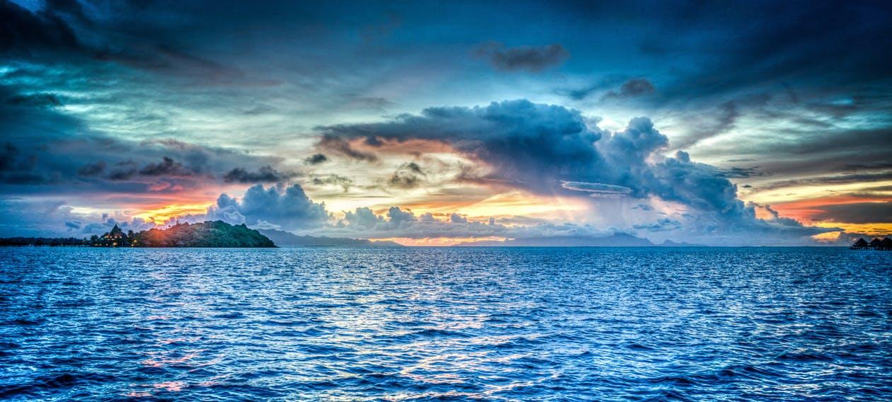 Le droit de la mer présenté par Maud Fontenoy