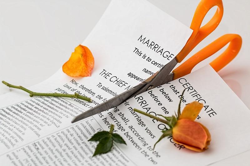 Que faire lorsque votre conjoint refuse de signer les papiers de divorce
