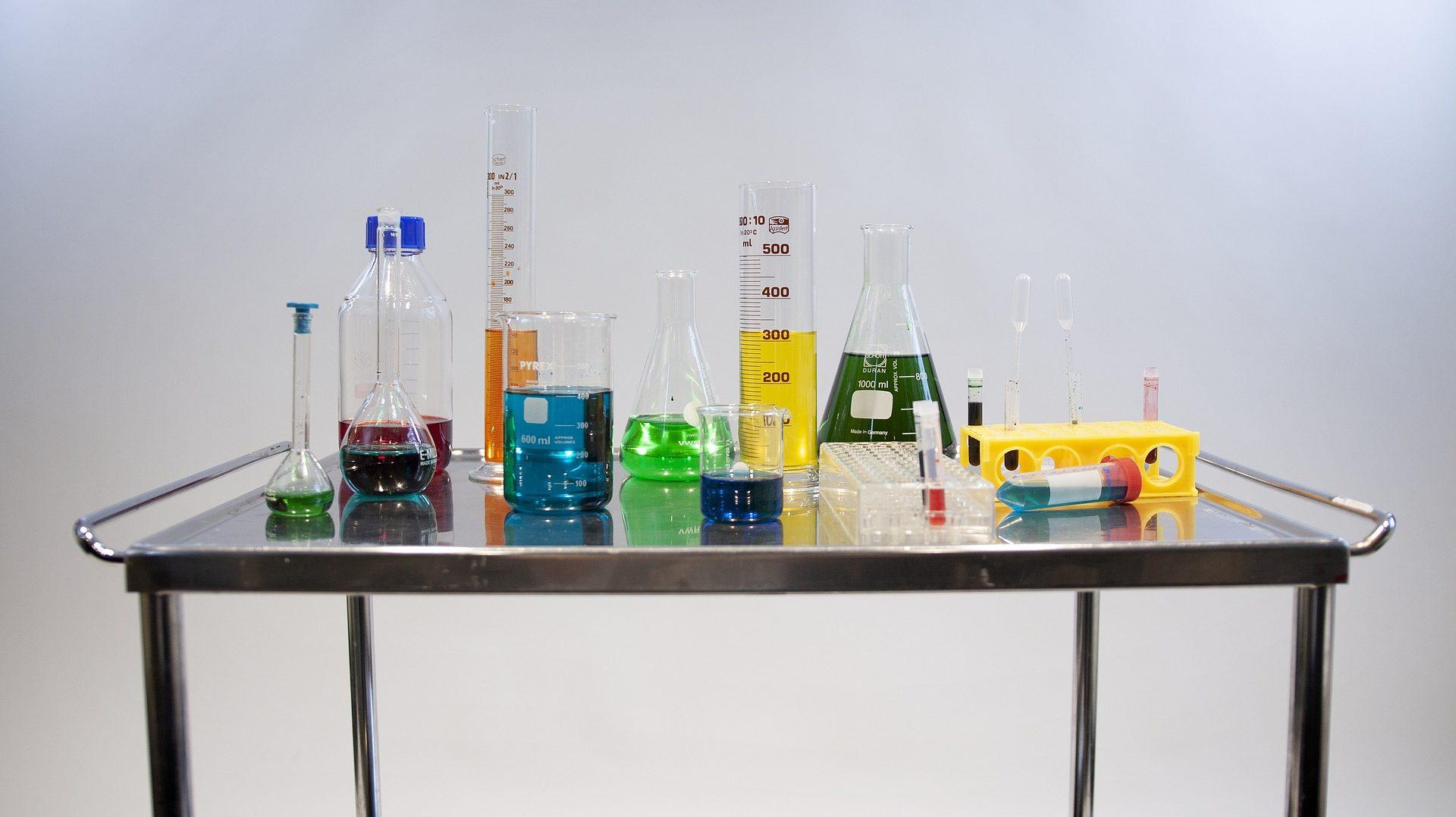 Les substances chimiques et le règlement REACH