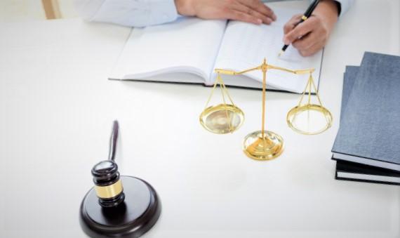 Pourquoi faire appel à un conseiller juridique en ligne ?