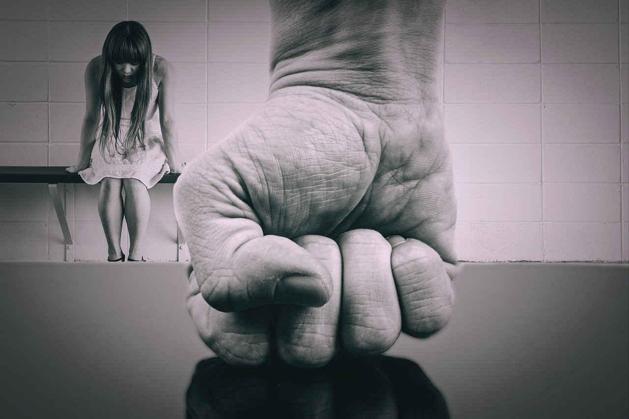 Violence conjugale : quel recours pour le conjoint ou le concubin victime de violence conjugale ?