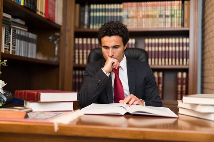 Quelles sont les prestations d'un spécialiste du droit?